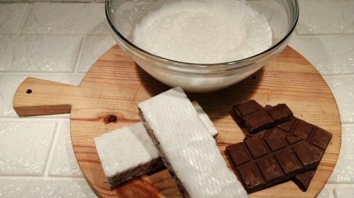 foto ingredienti semifreddo torrone e cioccolato
