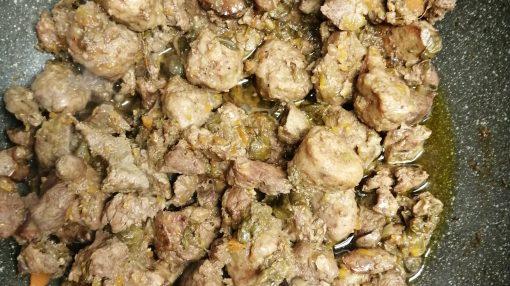 carne cotta per crostino nero