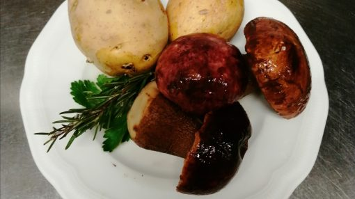 foto ingredienti sformato filante patate e funghi
