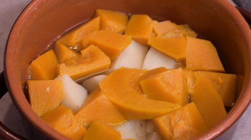 tagliare a dadini zucca e patate